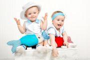 Детская фотосессия в студии c близнецами