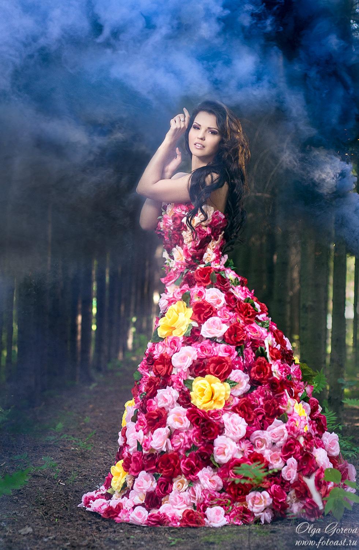 Идеи фотосессии в цветочном платье